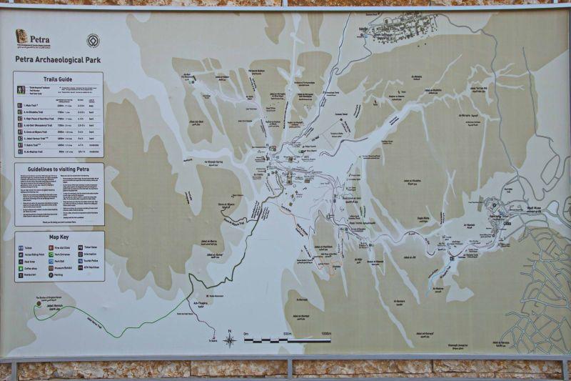 mapa_jordánska_petra_travelhacker