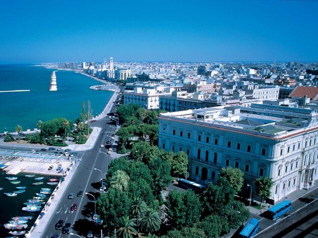 Bari_pristavne mestecko_Taliansko