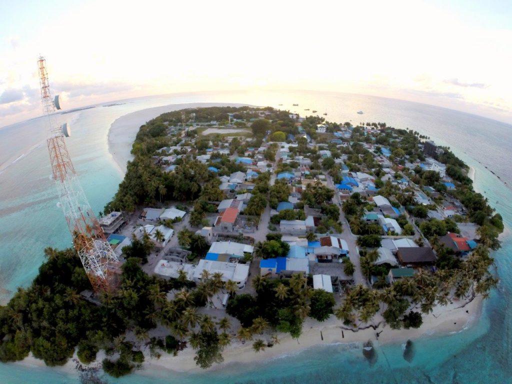 Maldivy_ostrov1_travelhacker