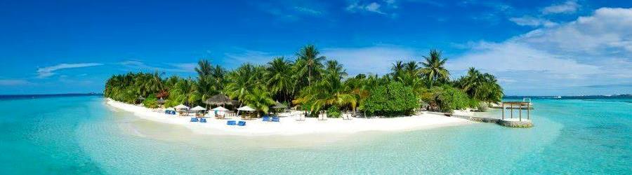 Maldivy_pláž_travelhacker