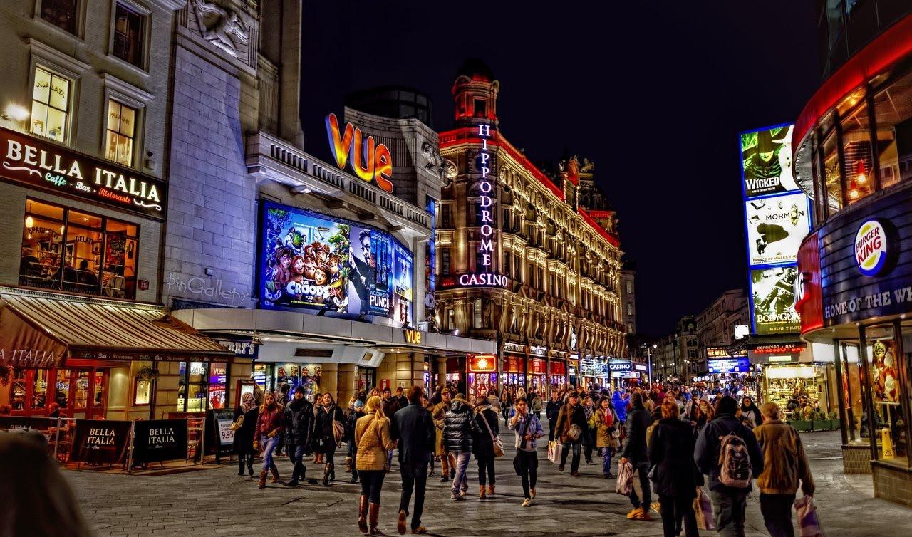 Londýn_Leicester Square_travelhacker