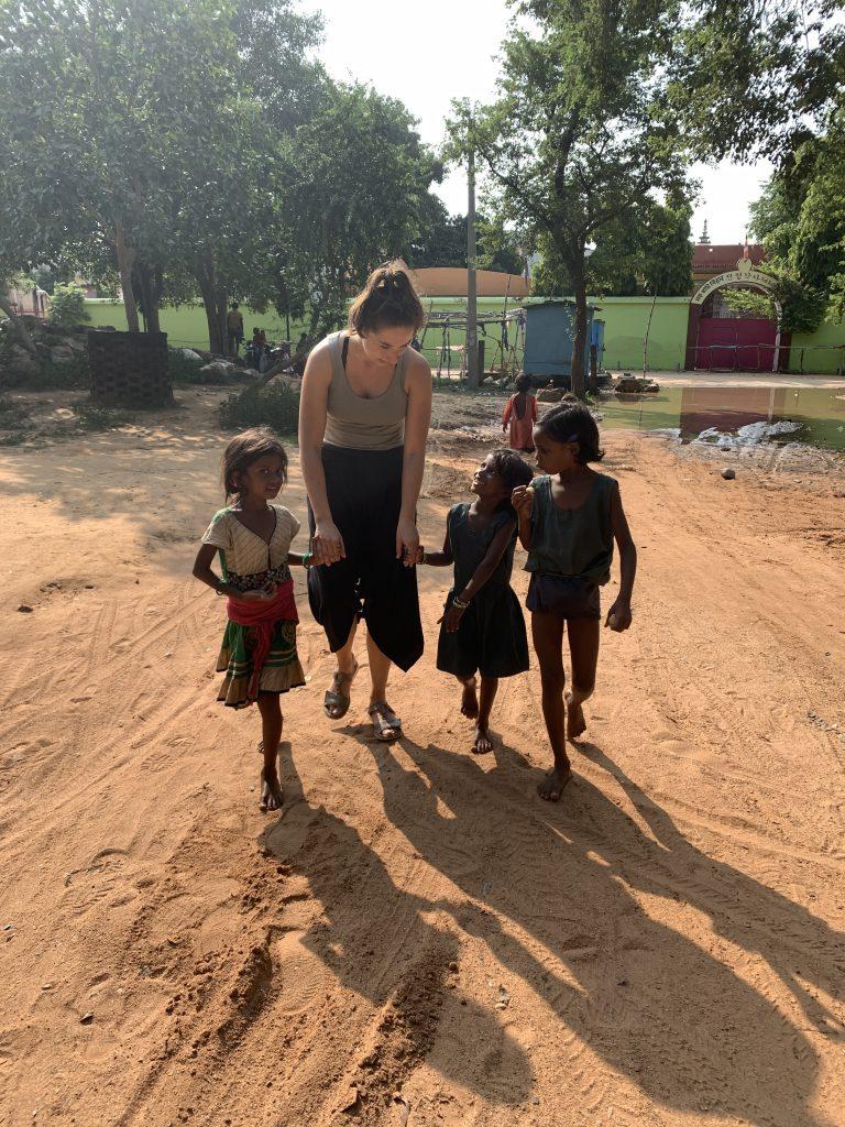 India, žobrajúce deti