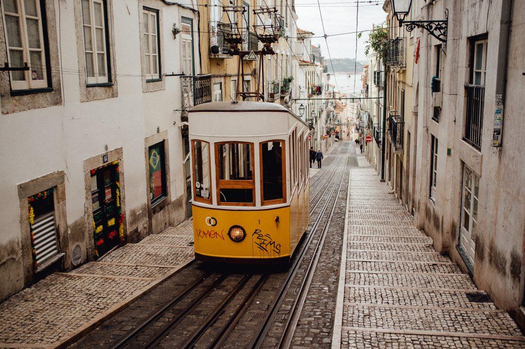bica tram lisabon