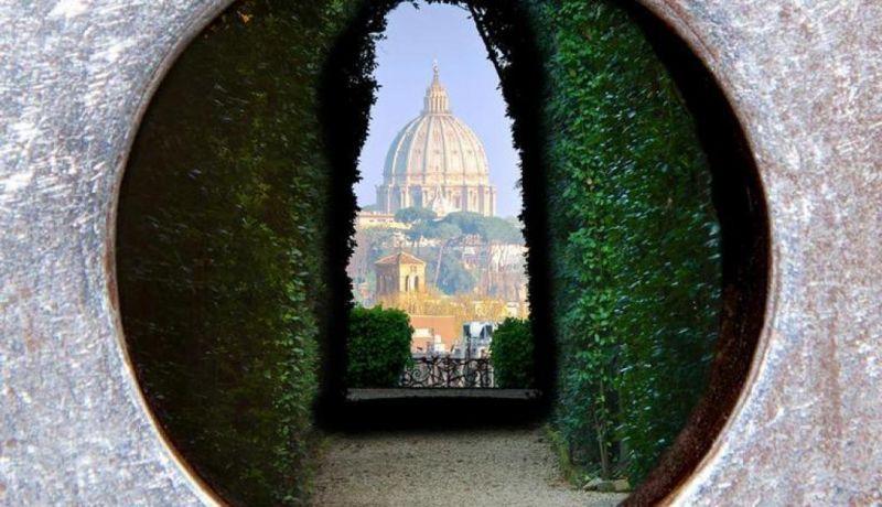 The Aventine Keyhole, Rim, Taliansko